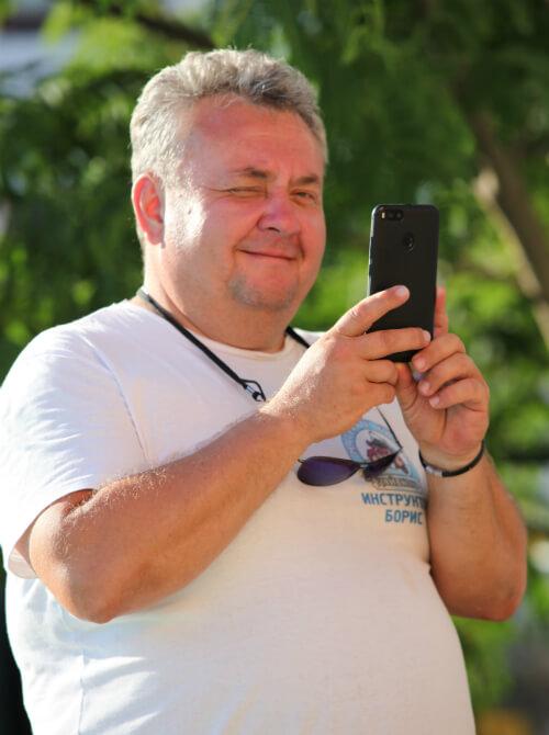 Инструктор NDL 3-го ранга Борис Репин лукаво улыбается. Фото