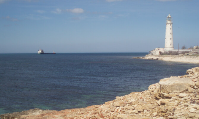 Тарханкутский маяк днем