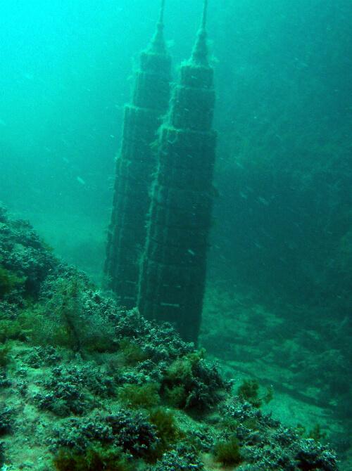 Тарханкут - первый в Советском Союзе подводный музей - башни-близнецы