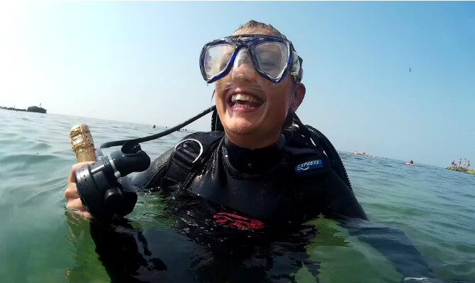 Поздравили с Днем Рождения под водой а на поверхности - буря эмоций!