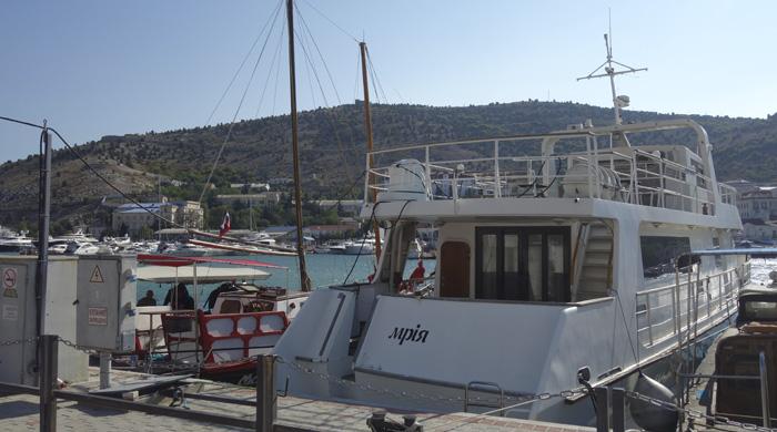 Фото лодок, стоящих у причала (№248) байвинг бота МАТЕРЫЕ БОБРЫ